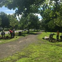 Volunteers are Edgewood park