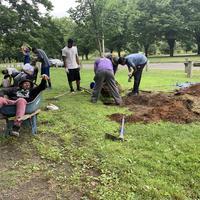 Volunteers at Edgewood park